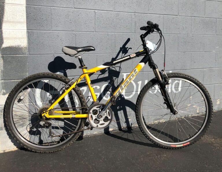 USED Giant Boulder SE Medium – $330